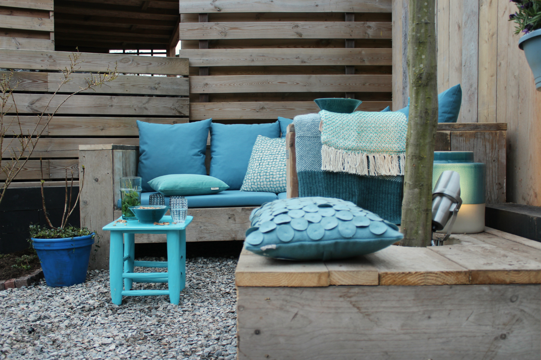 loungebank blauwe kussens